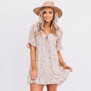 Dresses & Skirts - NEW Boho Flirty Floral Dress